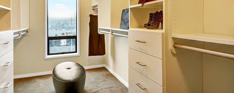 custom-walk-in-closets-front